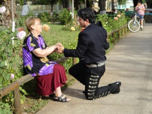 día de la mujer disfrútalo con mariachis. fono: 28930610