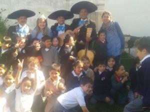 mariachis en santiago , expertos en serenatas : (022) 573 31 58
