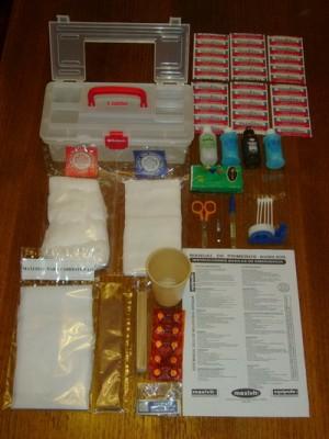kit de primeros auxilios con 63 elementos
