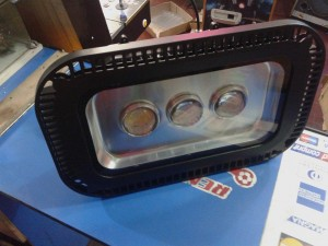 foco led estadio 150 watt/precio: $ 150.000